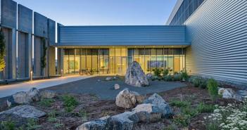 Facebook Prineville Data Center Building 2 Entry Court2