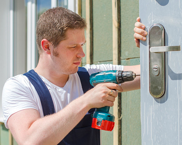 Need a Professional Locksmith Service? Here Are 4 Tips On How To Choose the  Best One - Cascade Business News